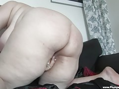 BBW Gertruda slips out of her red lingerie and fingers her meaty twat!